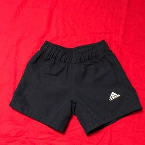🌺3X$20 adidas shorts. Size 5T. Color navy blue